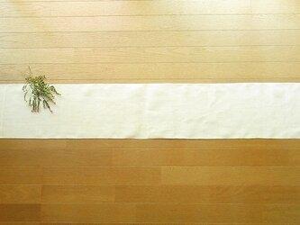 3)真っ白の麻(ラミー)の手織りテーブルランナーの画像