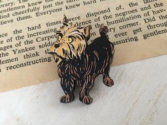 木製  オズの魔法使い  トト ブローチの画像