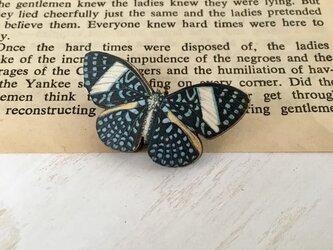 木製  蝶々 (小)ブローチの画像