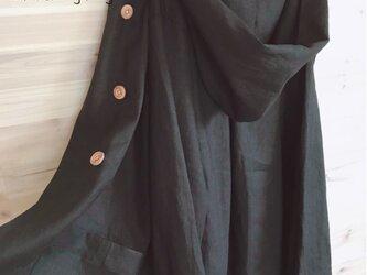 a.myuTシャツにさらっと♪定番♪夏黒リネン100%サマーコートの画像