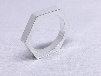 ヘキサゴン(六角形)のシルバーリングの画像