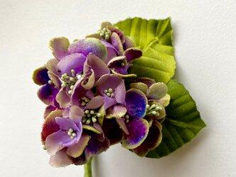 布花 小さな紫陽花のコサージュ Aの画像