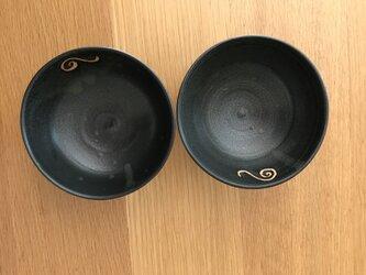 黒いお茶碗の画像