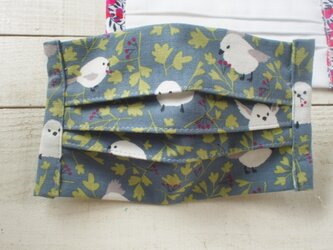 プリーツマスク総柄 鳥 シマエナガ★生地は晒2枚+コットン1枚=3枚重ねの画像