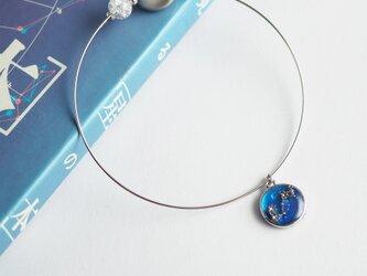 「黄道十二星座」ガラスと隕石のバングルの画像