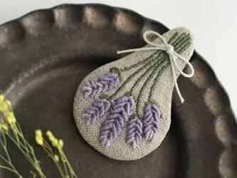ラベンダー刺繍ブローチ【受注制作】の画像