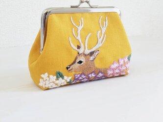 鹿と紫陽花のがま口 マスタードの画像