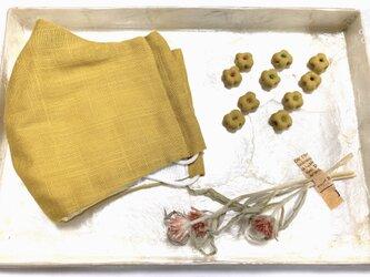 【セット】ガーゼマスクと共布の布花ピアスorイヤリング カラシの画像