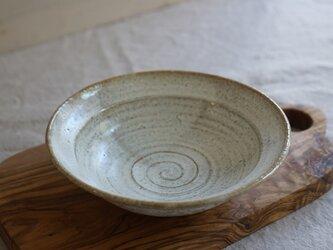月下白 リム皿鉢 No.524の画像