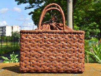 山葡萄(やまぶどう)籠バッグ | 麻の葉編み | 巾着と中布付き | (約)幅29cmx高さ19cmx奥行8cmの画像