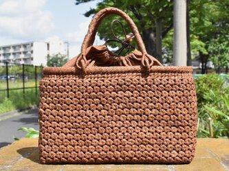 山葡萄(やまぶどう)籠バッグ   中柄六角花結び編み   巾着と中布付き   (約)幅34cmx高さ22cmx奥行10cmの画像
