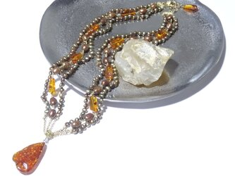 天然琥珀(アンバー)のネックレスの画像