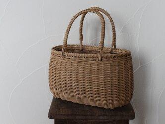 シンプルな素編みかごの画像
