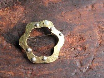 真鍮と淡水パールのブローチ [hb23]の画像