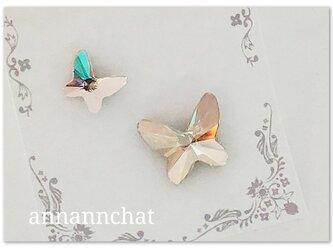 【スワロフスキー 二羽の蝶(ゴールデンシャドウ・シルク)幸運のピンブローチ】2個セットの画像