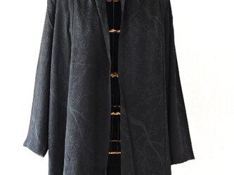 着物リメイク 黒のロングカーディガン(地紋)の画像
