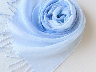 かろやかコットンシルク*空色×水色*手染めのストールの画像