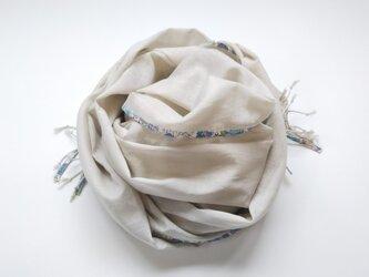 スラブローンのストール 花柄 ブルーの画像