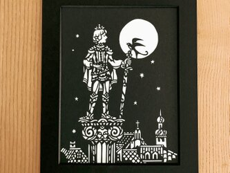 童話の切り絵「幸福な王子」の画像