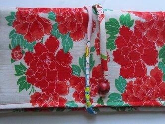4879 牡丹の花柄の着物で作った和風財布・ポーチ #送料無料の画像