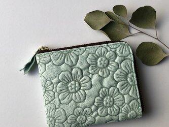 ピッグスキンのスリムなミニ財布 フラワー ミントグリーンの画像
