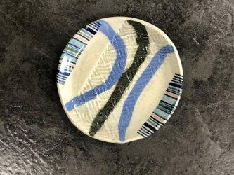 線模様の小皿の画像