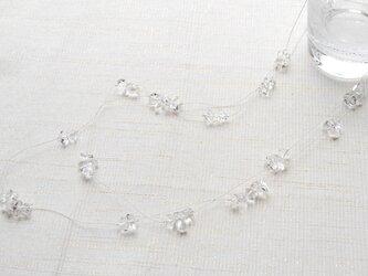 水晶とシルバーコードの雨上がりの水滴のネックレスの画像