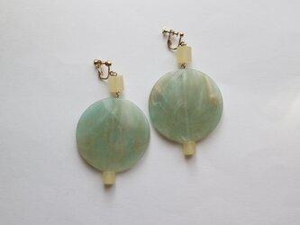 モネの庭~マーブルグリーンのイヤリング~の画像