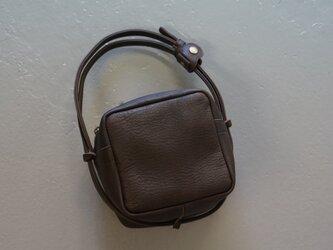 ディアソフトオイル*キューブポシェット◎内装キーホルダー付き:ポケット機能充実しています。の画像