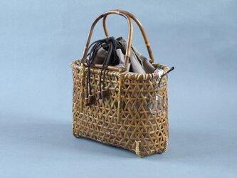 竹籠バッグ かごバッグ 麻の葉 巾着袋 根曲り竹 煤竹 燻煙千島笹の画像