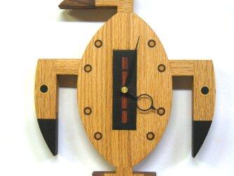 木の時計:カツオドリの画像