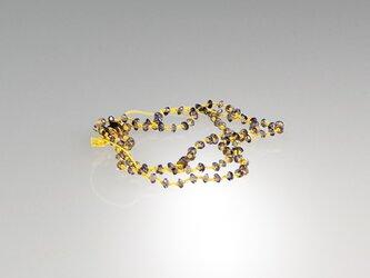 アイオライトを絹糸で繋いだ ネックレス ブレスレットの画像
