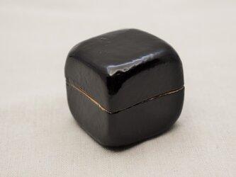 手彫小箱 マホガニー 黒漆白漆の画像