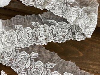 送料込・白いバラ柄レースゴム・幅約9.5㎝長さ約1.4mの画像