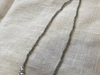 バロックパールとラブラドライトのネックレスの画像