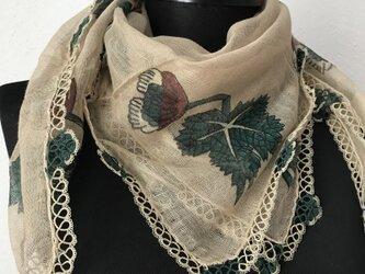ニードルレース 刺繍のコットンスカーフ ベージュ&グリーンの画像