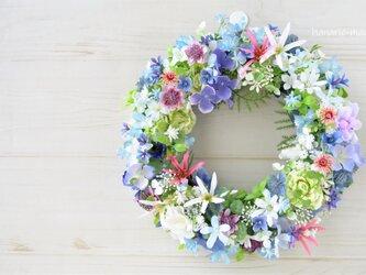 yさま order +blueの花 ピンクネリネとローズ・白い小花のリース:ピンク 青 グリーンの画像