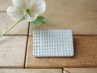 チェックのブローチ(長方形)の画像