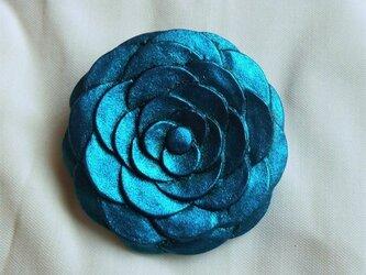 【彫刻】【漆】コサージュブローチ 華(青)の画像