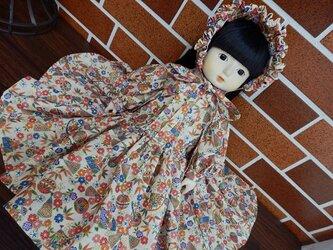 和柄のドレスとボネ ドール背丈47~50cm用(地色ベージュ)の画像