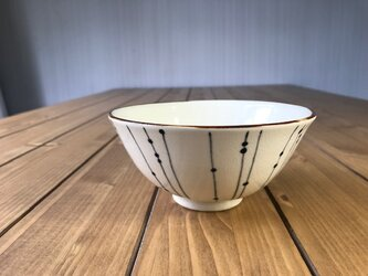 NO. 8飯碗(しずく柄)白の画像