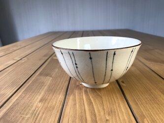 NO.9飯碗(しずく柄)白の画像