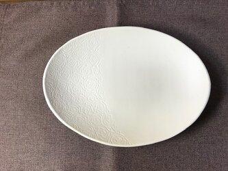 NO.26オーバル皿(バラ柄)白の画像