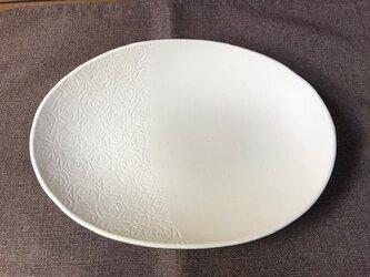 NO.27オーバル皿(バラ柄)白の画像