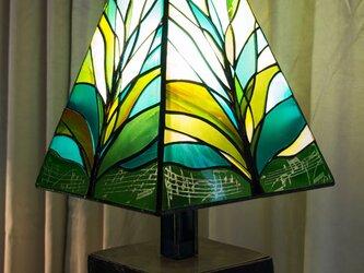ステンドグラスランプ 五月の新緑を想うの画像