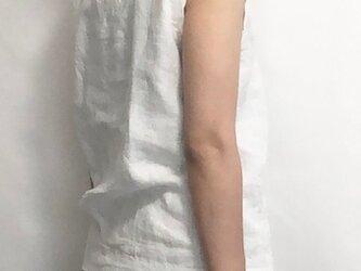 sleeveless/whiteの画像