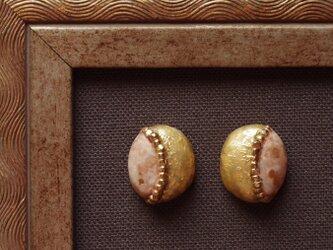 『金色の小石』耳飾り ピアス/イヤリング 純金箔 ノスタルジー ヴィンテージ f-85の画像