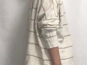 pullover/linen borderの画像