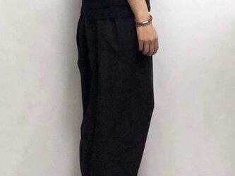 round- pants/blackの画像