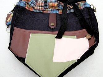 【夏の4点福袋】ポケット好きさんの為のペンタゴン(5角形)巾着ショルダーバッグ ネイビー×チェックの画像